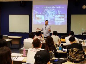 Timotheus Delivers Digital Marketing Lecture